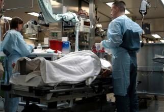 Procedurile de la terapie intensivă sunt gândite, multe dintre ele, pentru un pacient bărbat înalt de 1,74 m și cu 70 de kg.