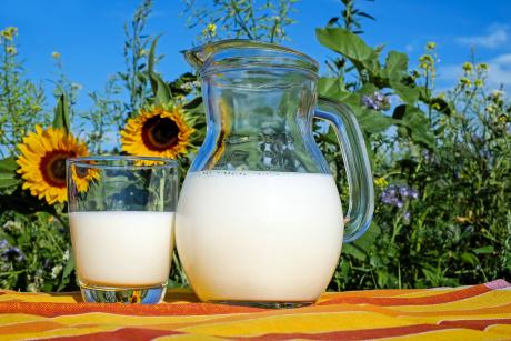 Intoleranța la lactoză poate duce la deficit de calciu.