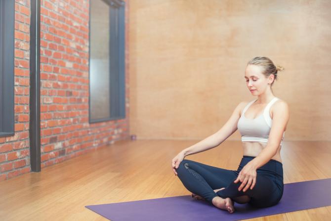 Yoga este benefică pentru sănătate