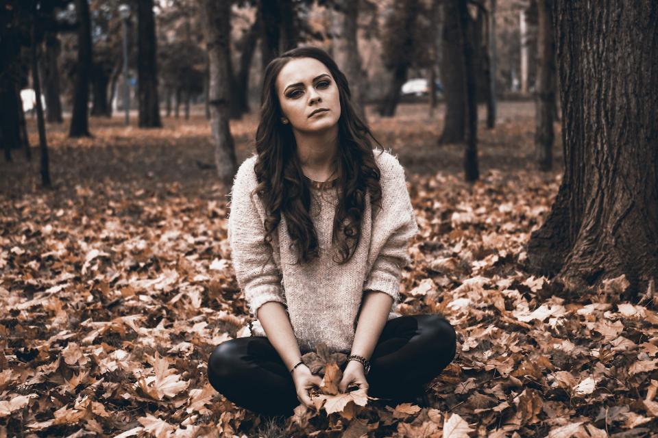 Lipsa de energie și iritarea pot fi simptome ale lipsei de vitamina B6