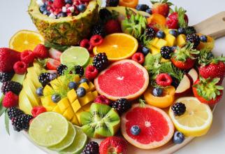 Bărbații ar trebui să mănânce mai multe fructe și legume ca să prevină pierderile de memorie