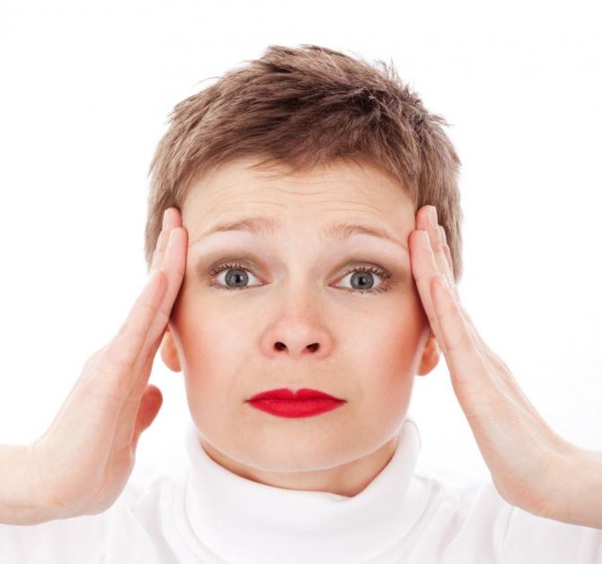 8 lucruri pe care le poți face în fiecare zi pentru a preveni viitoarele migrene