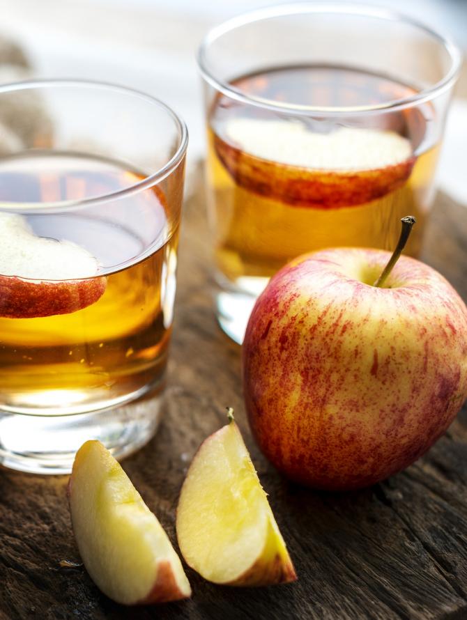 Alimentele care te protejează de cancer: merele și ceaiul, printre cele mai bune