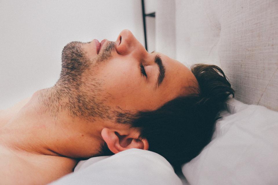 Apneea în somn poate crește riscul unor afecțiuni cardiovasculare