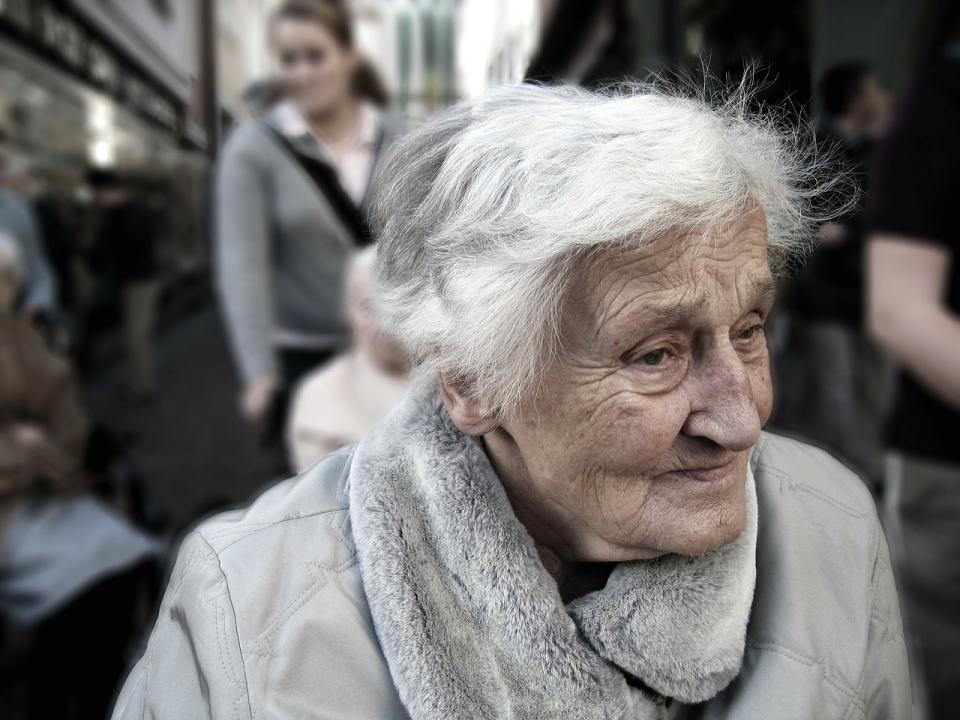 O proteină care apare în creierul unui bătrân, vinovată de pierderea memoriei