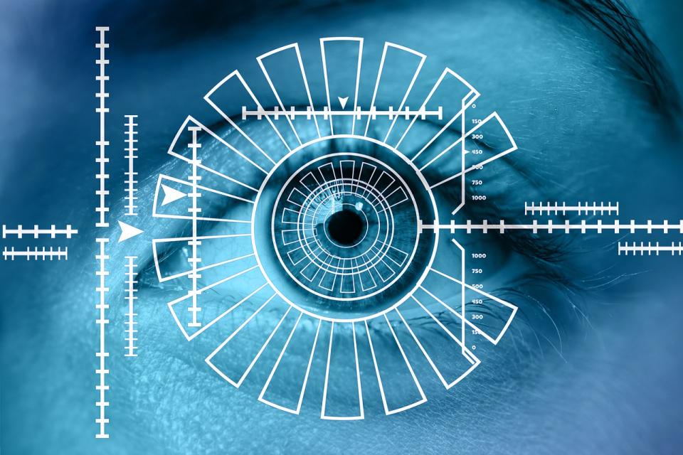 Deficientele de vedere pot fi corectate prin chirurgie refractiva