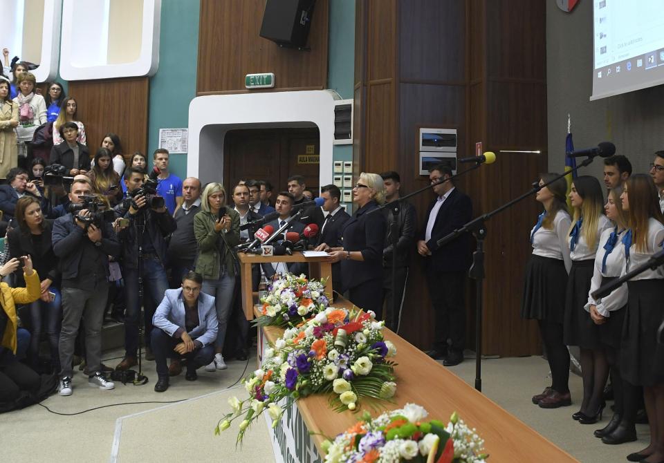 Premierul Viorica Dăncilă, la deschiderea anului universitar 2018-2019, la UMF Craiova. FOTO: gov.ro