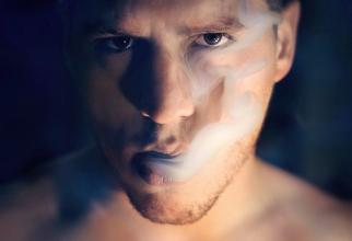 Fumatul și anxietatea sunt asociate