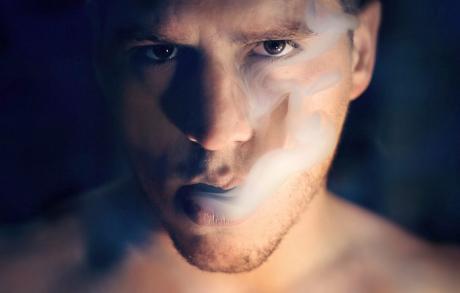 Fumatul excesiv afecteaza vederea