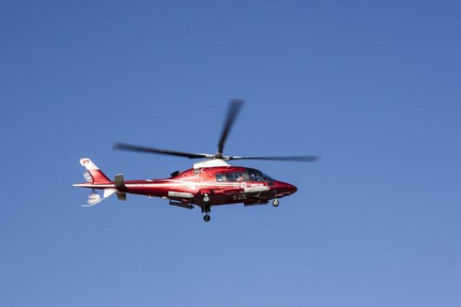 Femeia a fost transportată cu un elicopter SMURD la Iași