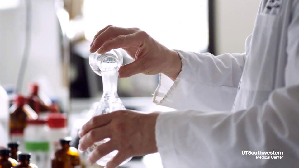Laboratoarele private din Bistrița au anunțat că nu mai sunt bani de la CJAS pentru analize gratuite