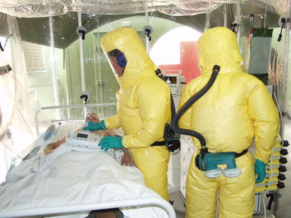 Ebola a ucis mii de oameni