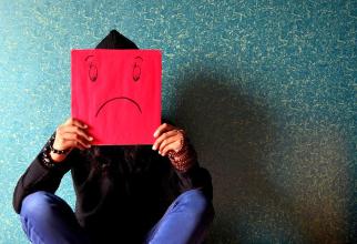 Stres, depresie, singurătatge. Foto: Pixabay