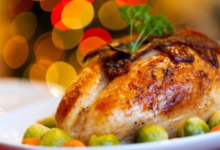 Carnea de pasăre ar trebui să înlocuiască carnea roșie pentru mai multă protecție împotriva cancerului