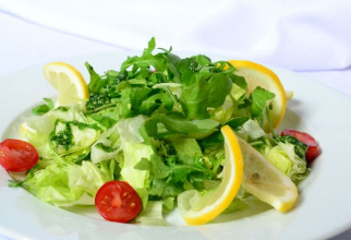 Un compus din frunzele verzi de salata, rucola, telina si spanac protejează ficatul