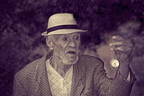 Atitudinea negativă față de îmbătrânire este corelată cu apariția bolii Alzheimer