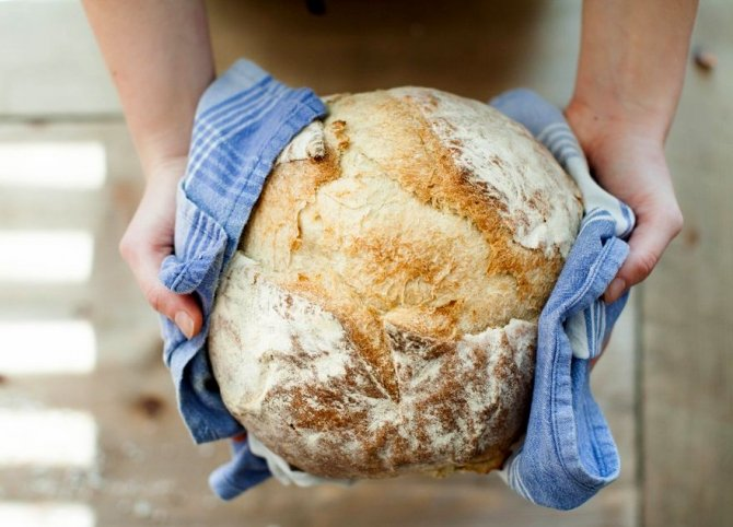 """Din aliment de bază, pâinea a ajuns să fie considerată un mare """"rău"""""""