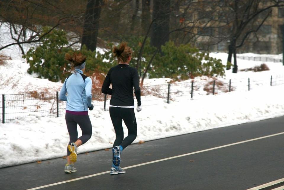 Dacă tocmai v-ați apucat de alergare, nu vă forțați prea tare pentru că vă puteți răni.