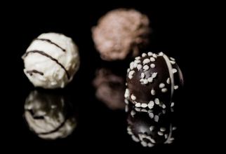 Specialiștii recomandă consumul de ciocolată neagră datorită beneficiilor pe care le are pentru organism