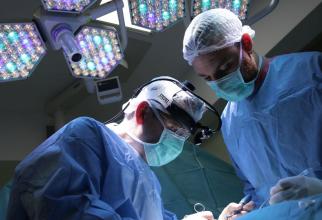Dr. Mihai Cristescu, in operatie