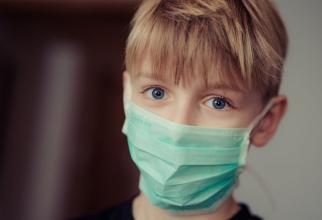 Copiii trebuie protejați de infecțiile respiratorii
