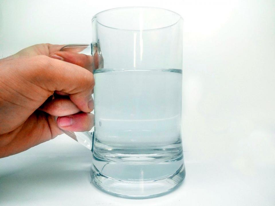 Apa este recomandată în timpul și după exercițiile fizice în mediu cald