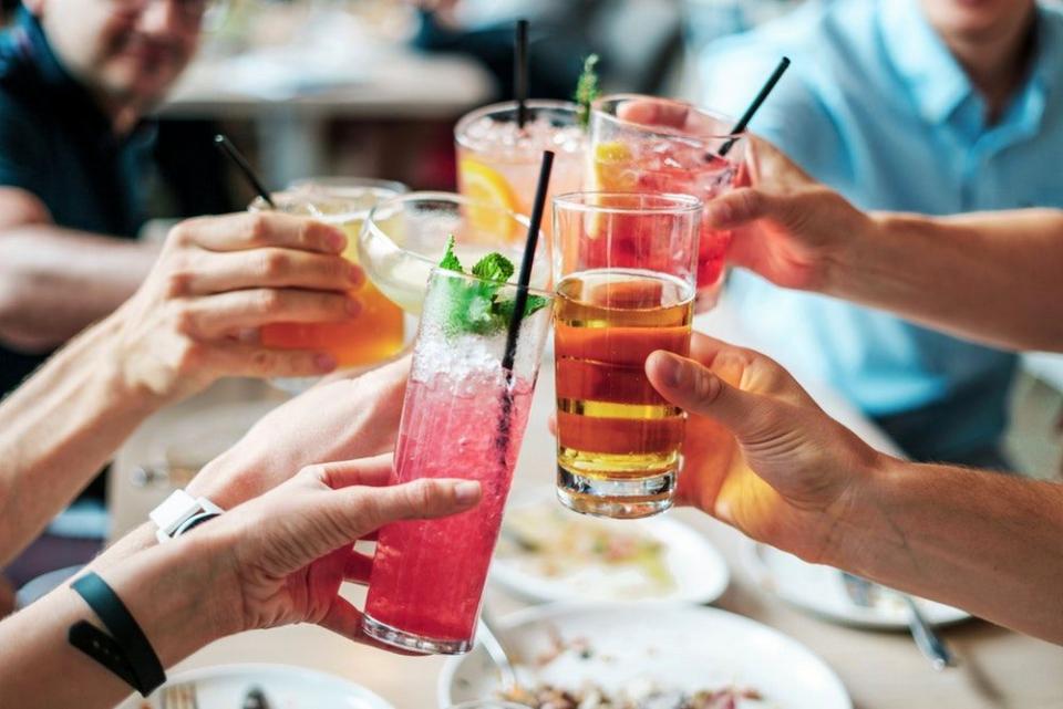 Fara sa vrei s-ar putea sa-ti dai peste cap dieta din cauza bauturilor