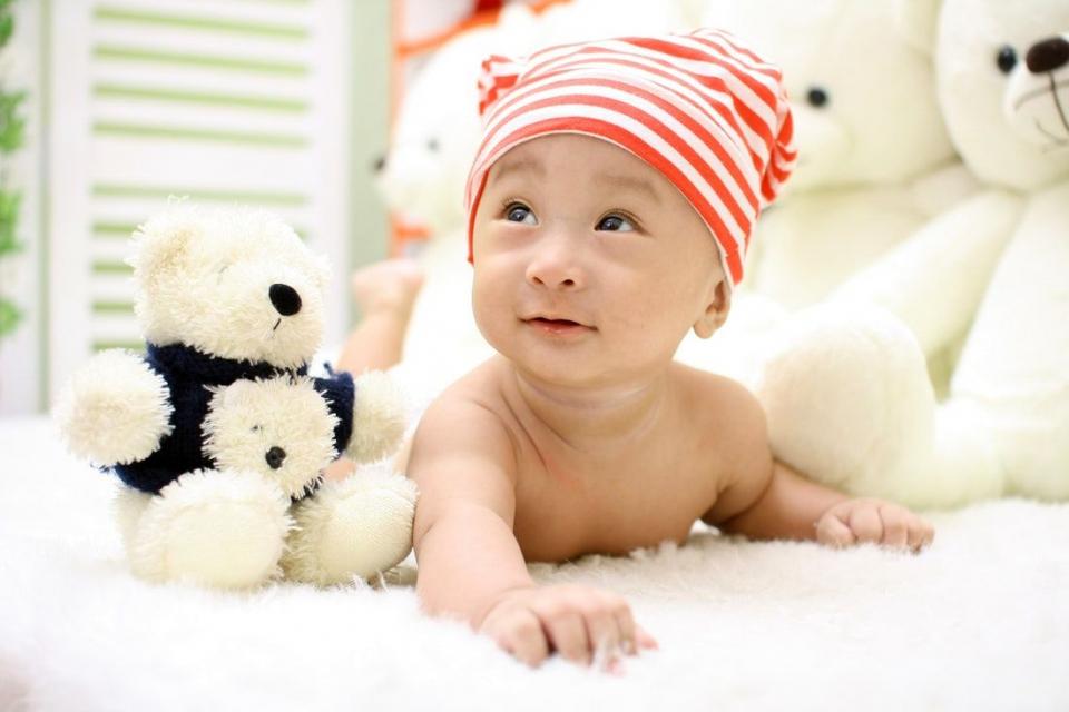 Un nou studiu arată că, expuși la pesticide, bebelușii pot dezvolta autism