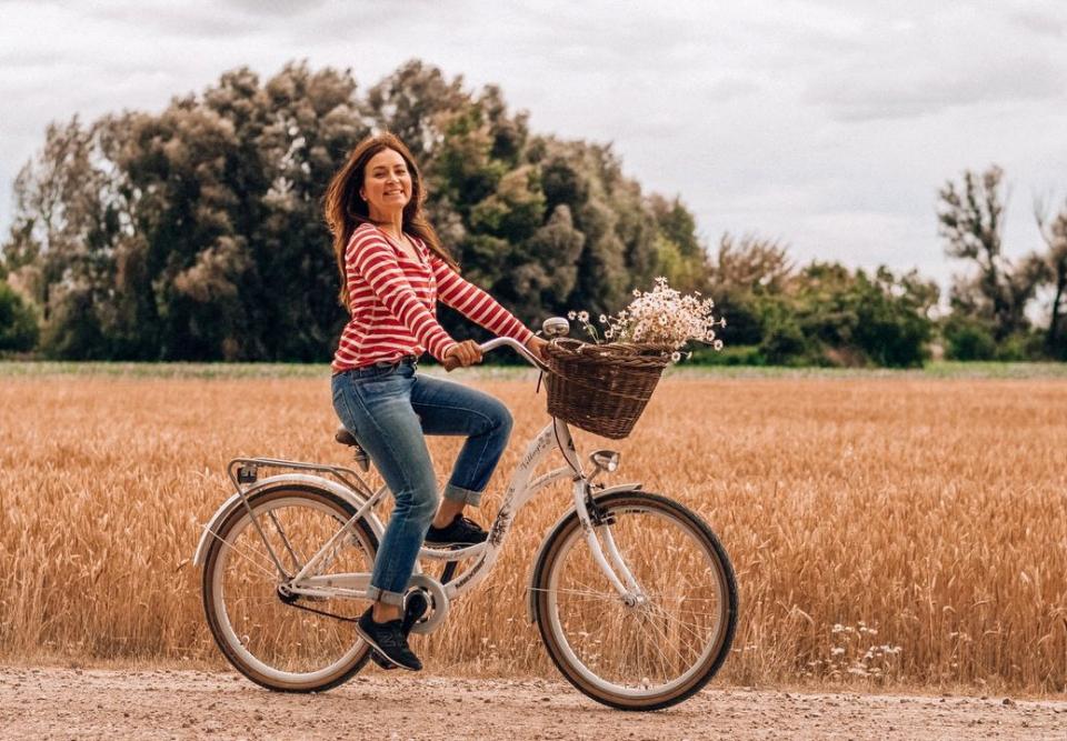 Secretul păstrării tinereții e foarte la îndemână. Mersul pe bicicletă este cheia!