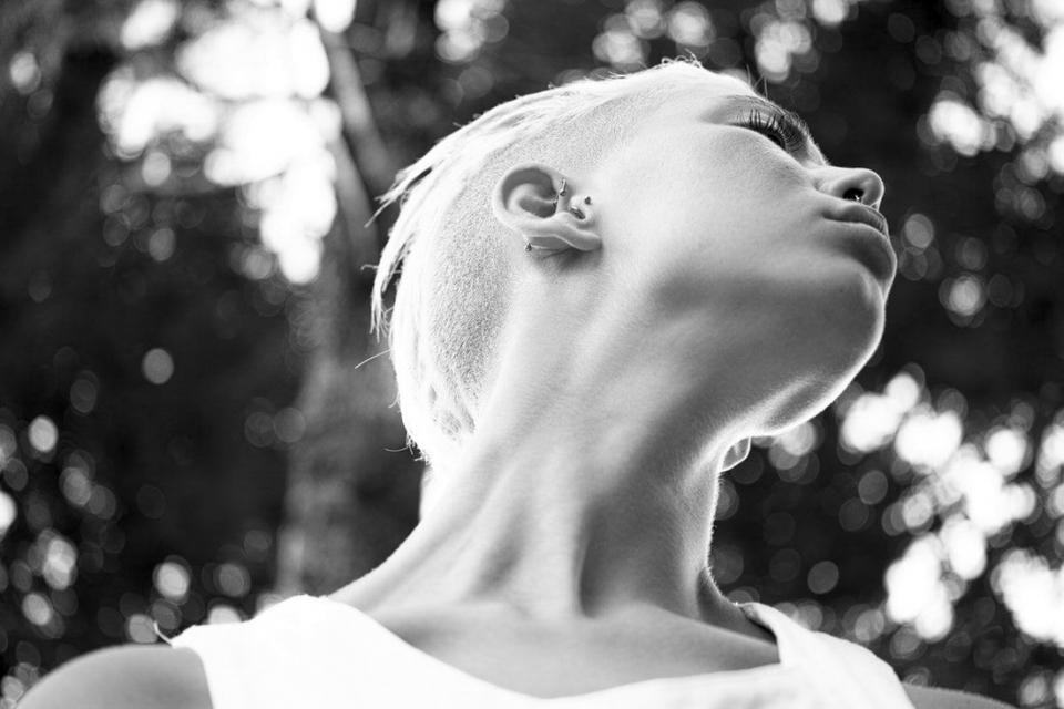Gripă: microbiomul din gât ar putea face diferența