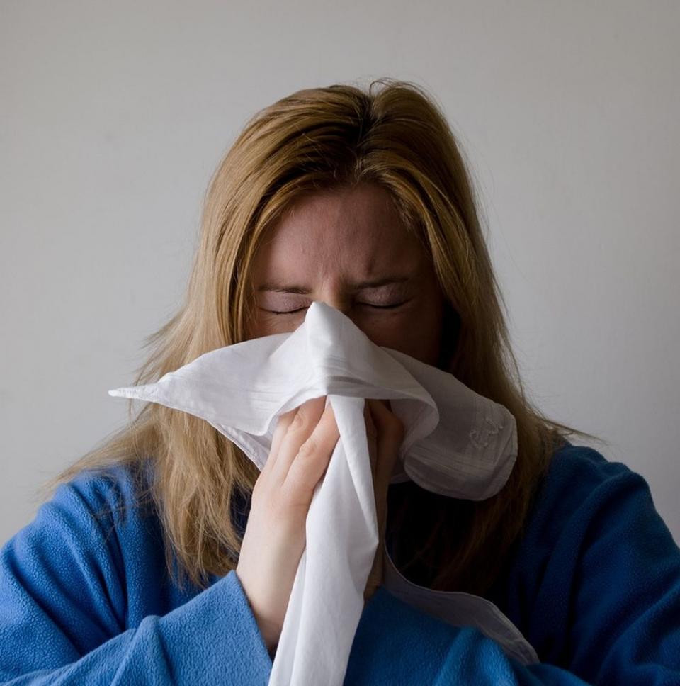 Când ne suflăm nasul prea tare putem provoca o sângerare