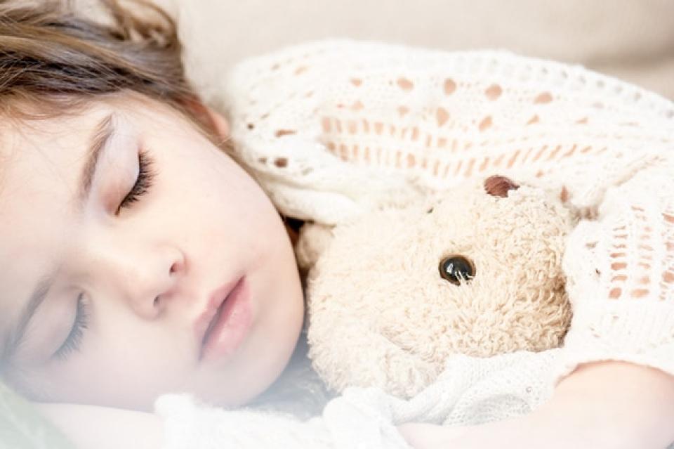 Somnul in copilarie influențează greutatea adolescenților