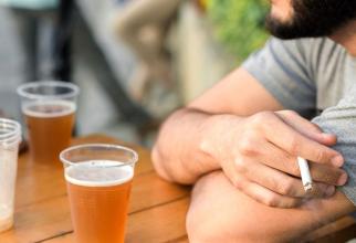 Alcoolul consumat de tată înainte de a concepe poate duce la malformații congenitale ale bebelușului