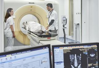 Scannerul de înaltă performanță special adaptat pentru radioterapie. FOTO: SANADOR