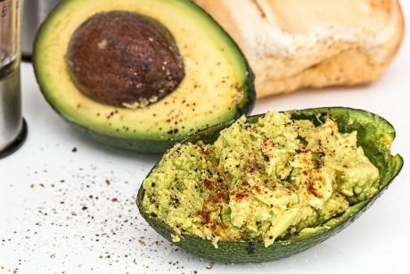 Câte calorii conține un avocado și cum îl prepari