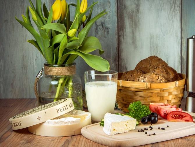Produsele lactate trebuie incluse în dieta zilnică