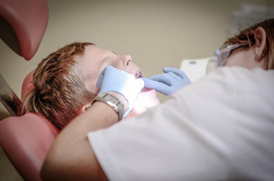 Asistenții medicali lipsesc în medicina dentară