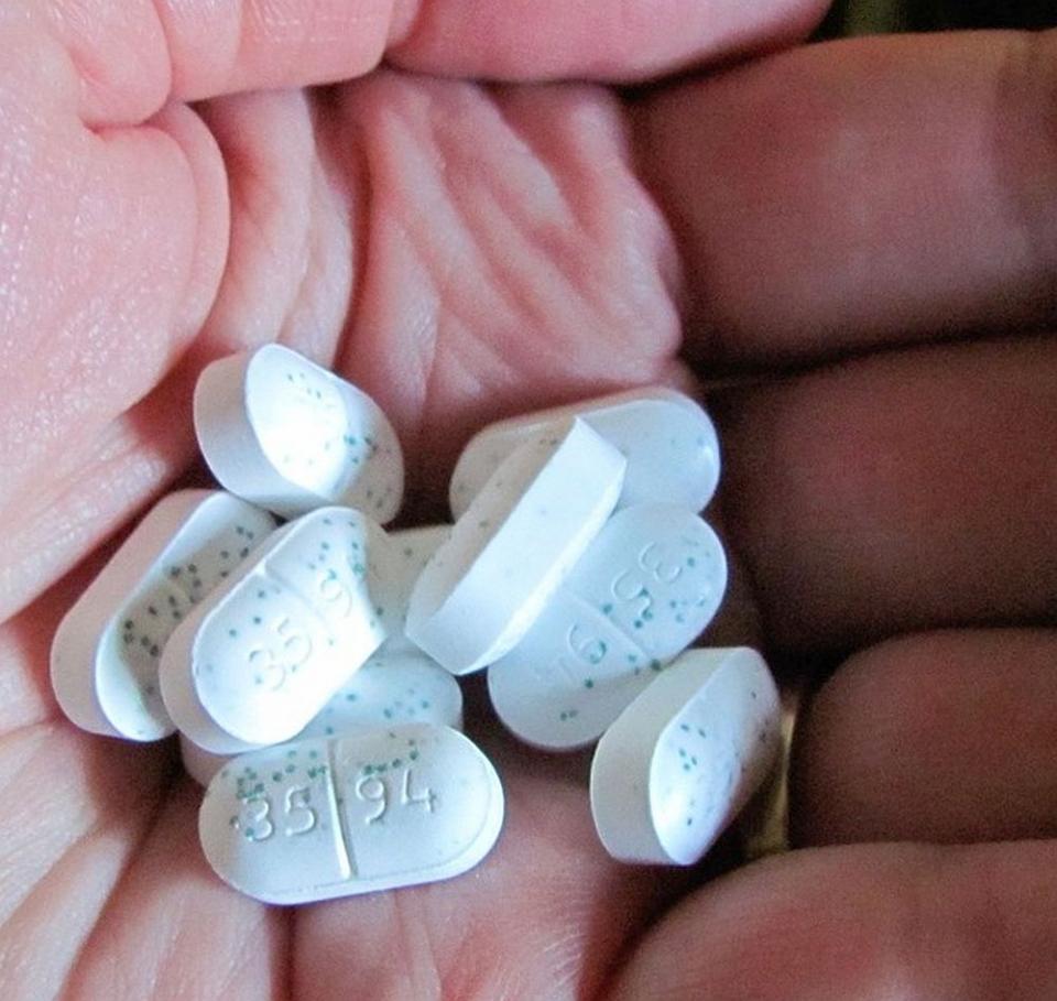 Antibioticele cresc riscul de boli cardiovasculare la femeile în vârstă