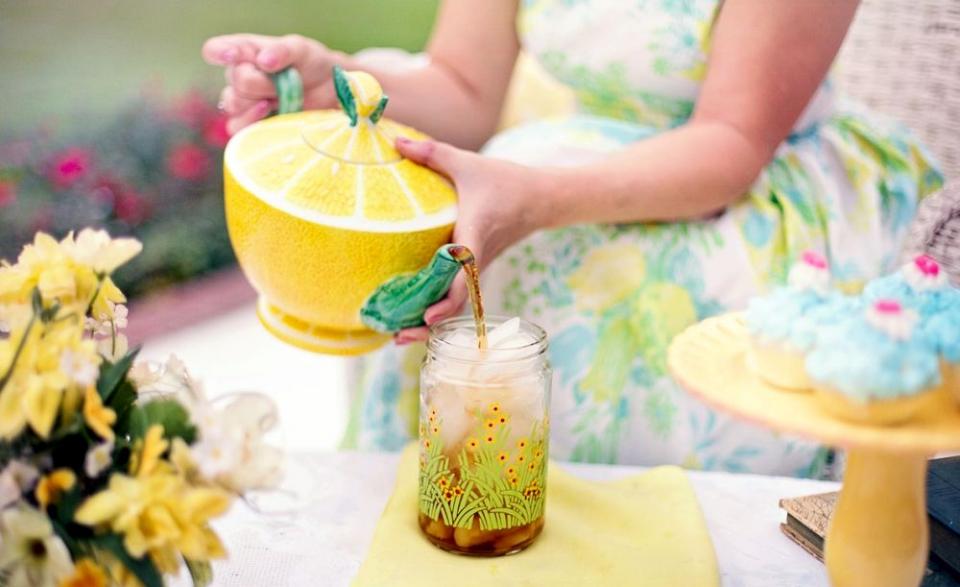 Un ceai băut foarte fierbinte îți crește riscul de cancer esofagian
