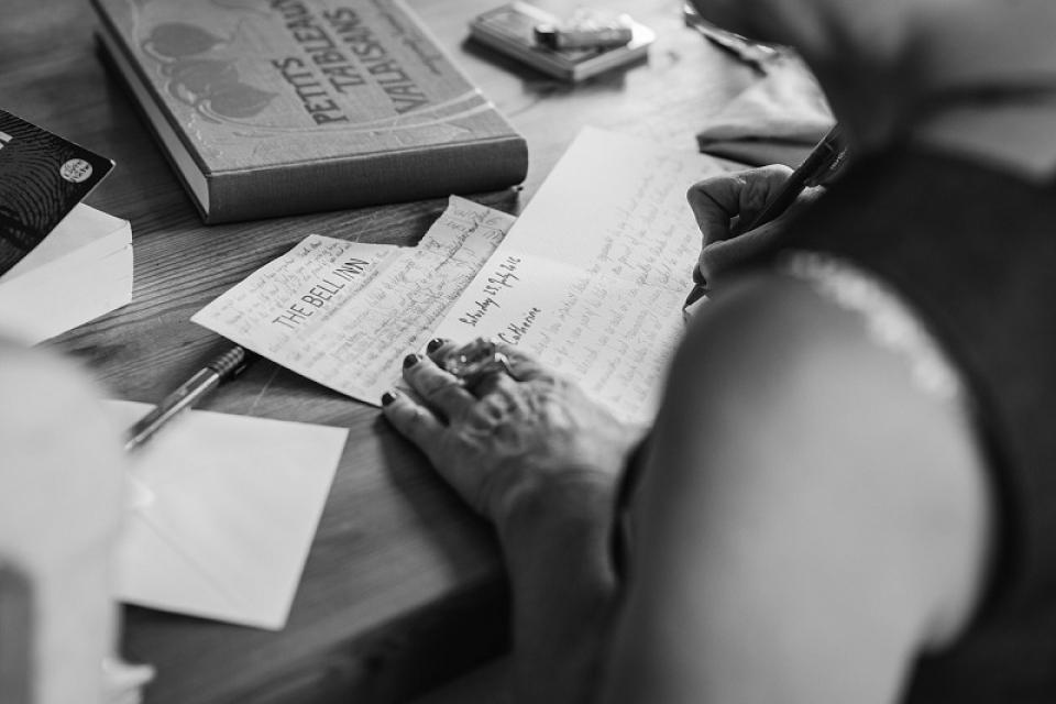 Scrisul ajută la eliberarea emoțiilor