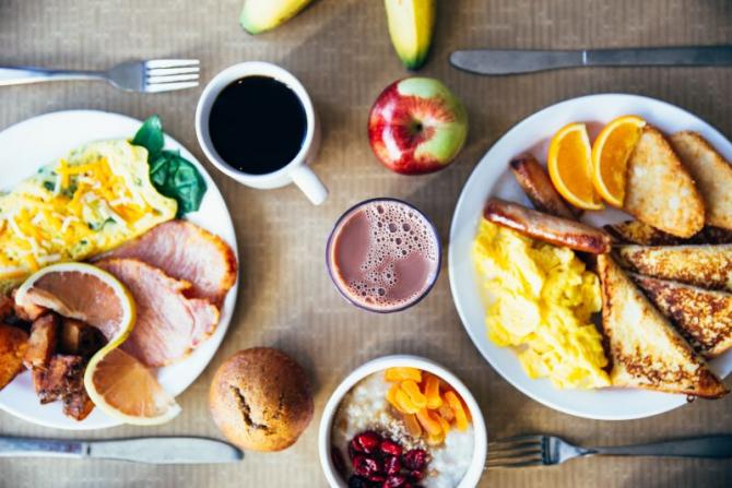 Creierul și poftele: de ce mâncăm, deși nu ne este foame  FOTO: pexels.com