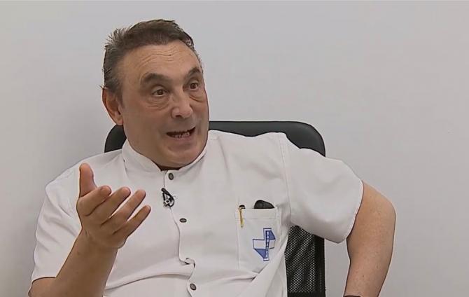Dr. Ovidiu Grămescu ne va explica provocările Neurochirurgiei moderne și cum se face ea la Spitalul Clinic Sanador. FOTO: DC Medical