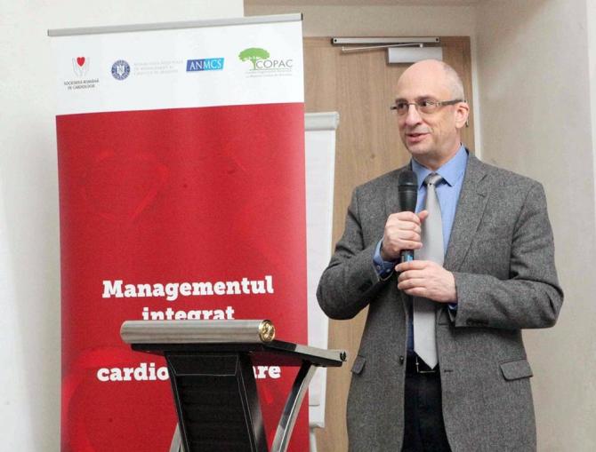 Prof dr Dragoș Vinereanu