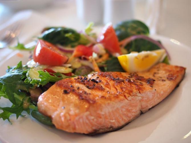 Persoanele care au gută trebuie să aibă grijă ce mănâncă  FOTO: pexels.com