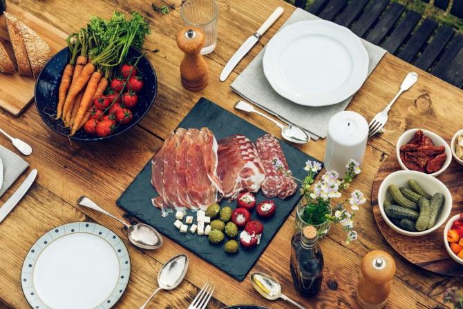 """Când vine vorba de mâncare, sloganurile """"la modă"""" reinventează roata"""
