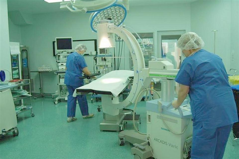Infectii intraspitalicești sunt foarte puține la Sanador. Un reputat chirurg explică de ce. Foto: Sanador