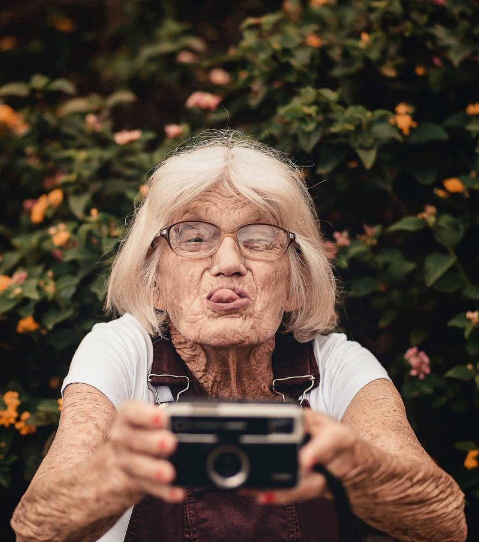 Înaintarea în vârstă este corelată cu scăderea sănătății fizice și cognitive  FOTO: pexels.com