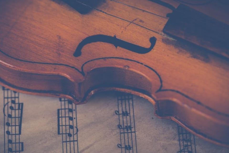 Lecțiile de muzică îi ajută pe elevi să obțină rezultate mai bune la școală