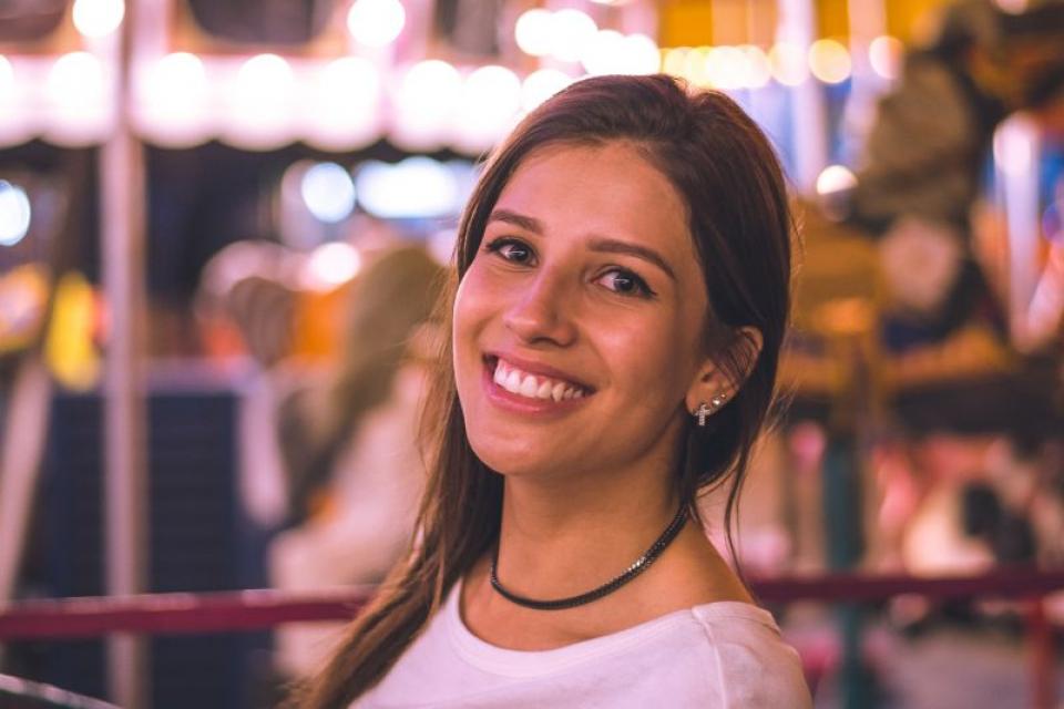 Pentru albirea dinților puteți apela și la vechi trucuri ale buncii  FOTO: pexels.com