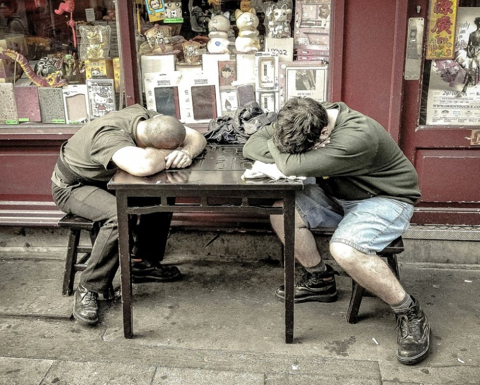 Dacă oricât te-ai odihni tot extenuat ești, trebuie să știi că oboseala ta poate ascunde boli grave